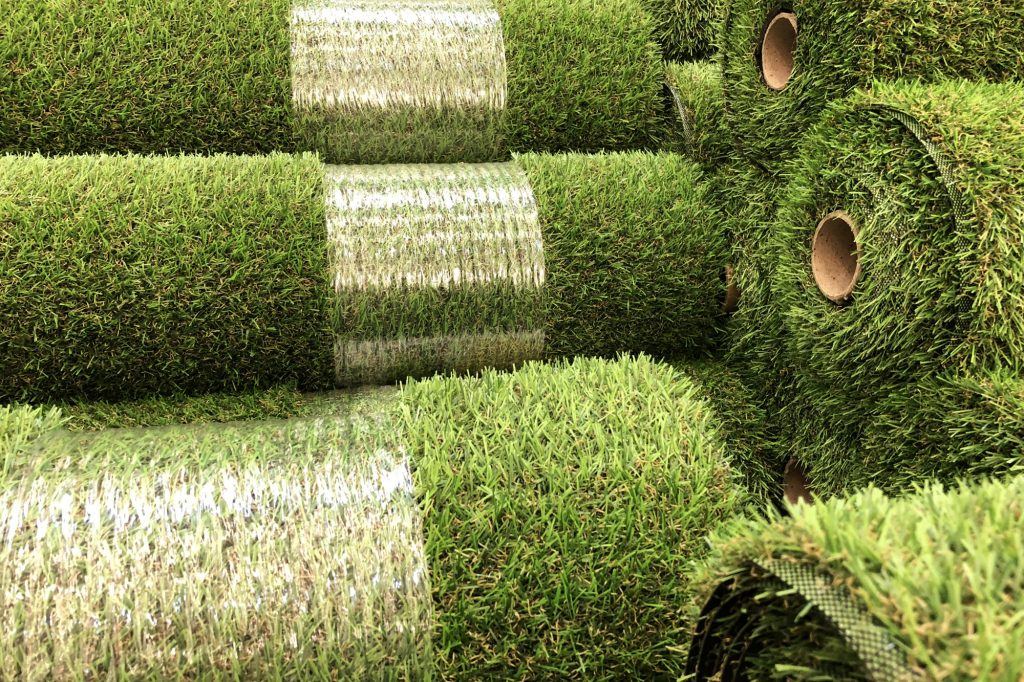 artificial grass vs turf